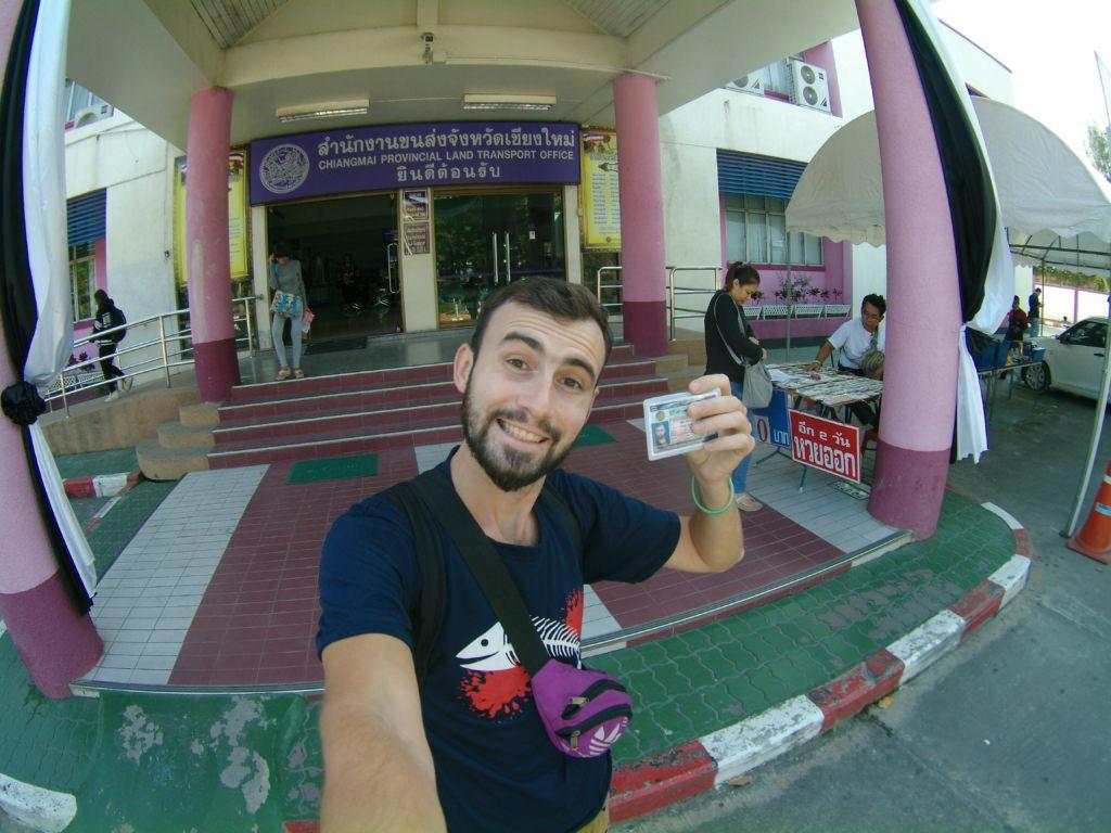 как получить права в Таиланде
