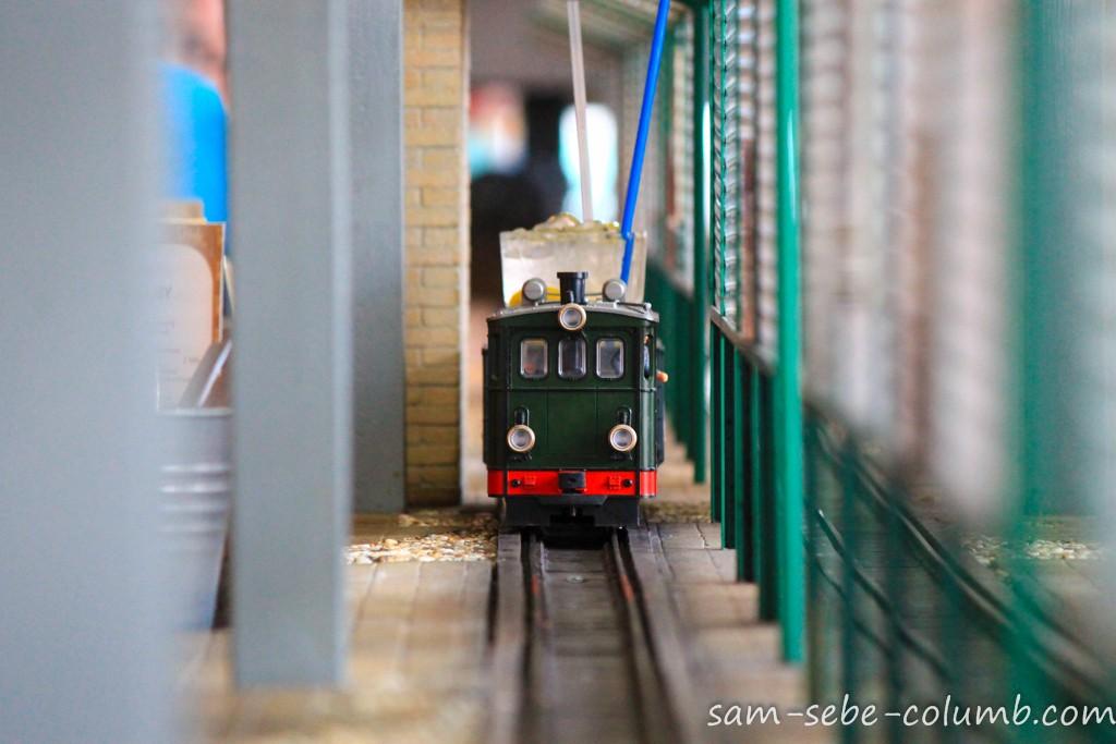 пивная с паровозами в Праге